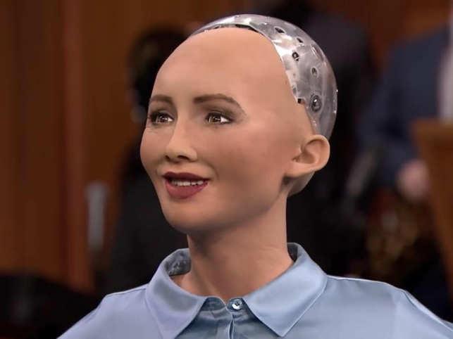 sofija; dfcitas; desimtmetis; robotas; AI;